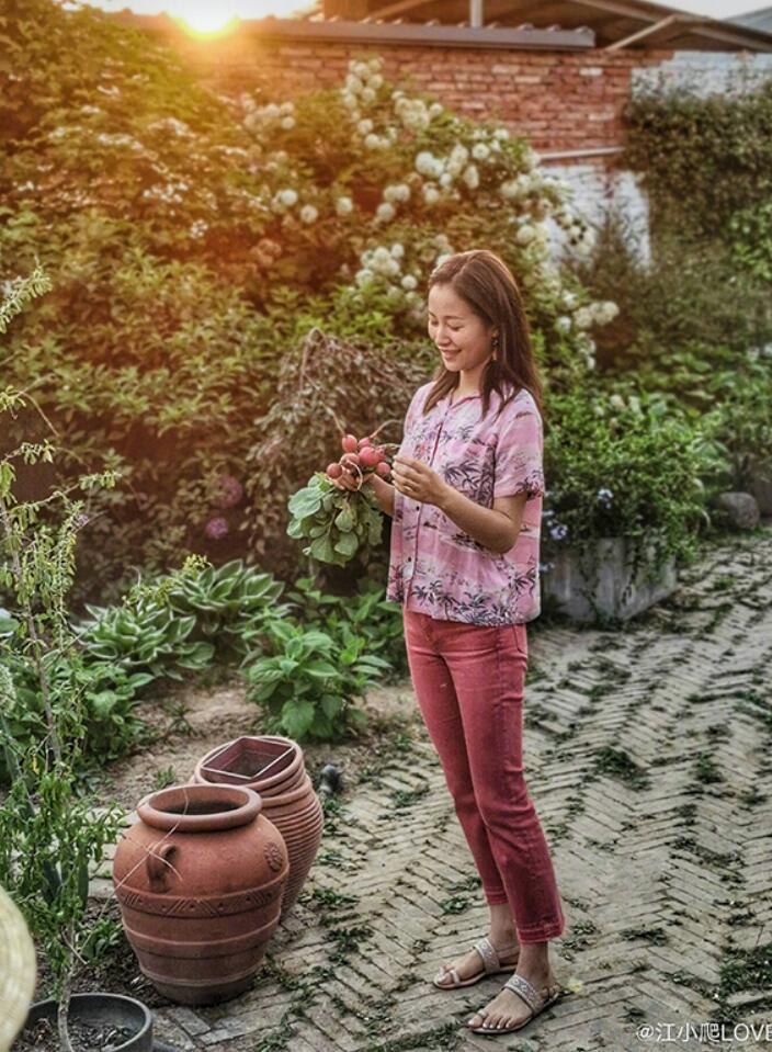 江一燕的田园生活让人心生喜欢 网友:她把生活过成了诗!