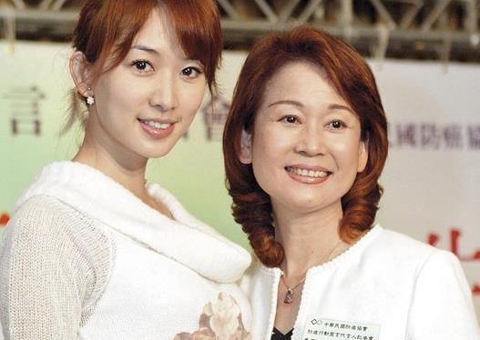 林志玲被曝6月将嫁上海富豪 因母亲病情暂缓婚事