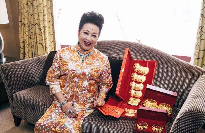 薛家燕 一位著名的香港女演员 曾主演电影《七儿八女九状元》