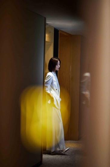 """王珞丹《被光抓走的人》发布会""""秒变""""立场 称爱情""""无需考验"""""""