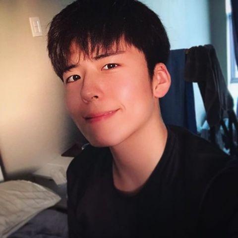 《【恒耀品牌】韩国19岁男学生自曝因长得像艺人而被攻击上节目诉苦,反被骂:长得像朴宝剑还委屈你了?》