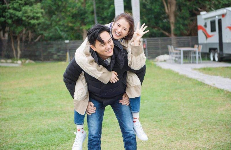 张智霖是歌手出道,一首《现代爱情故事》传唱度很高