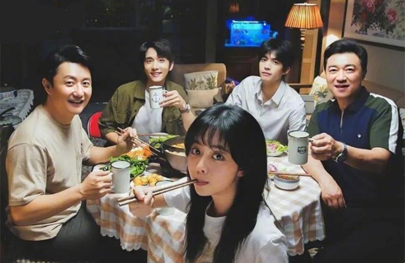 由谭松韵、宋威龙主演新剧《以家人之名》还没开播就被韩国买版权,有大爆潜质