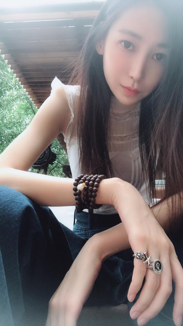 李荣浩成功求婚杨丞琳 模特前女友陆瑶发文回应