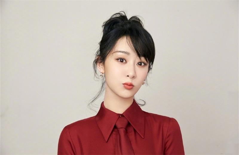 吴亦凡第一部古装剧开播啦,首次搭档实力演员杨紫,一起来期待吧