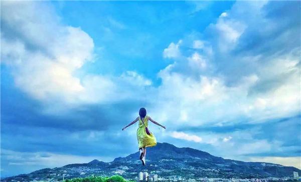 """朱颜曼滋《早安公主》变身""""宫崎骏""""少女"""