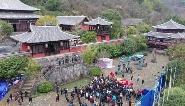 王晶新版《倚天屠龙记》低调开机 在浙江新昌取景