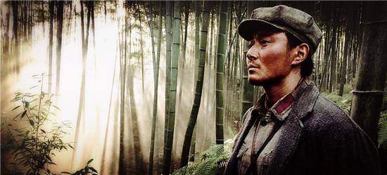 《勇士》李东学杀青 瞻仰民族英雄为角色正名