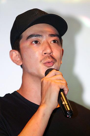 《百鸟朝凤》定档五月六日 李岷城拍摄险落山遇难
