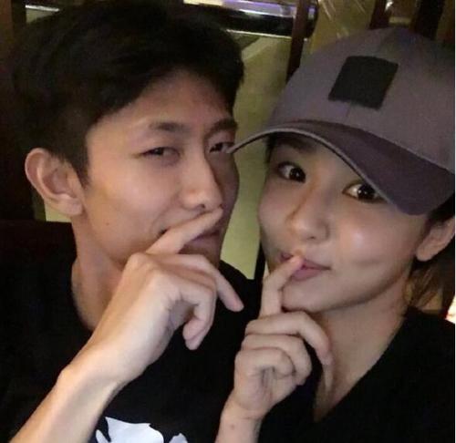 杨紫晒表情包为张一山庆生:最珍贵的朋友生日快乐