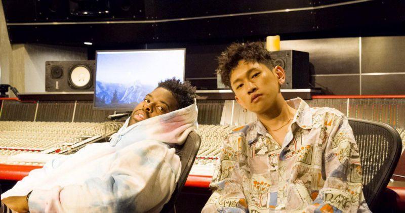 两大R&B鬼才的神合作:Crush&Pink Sweat$推出单曲!