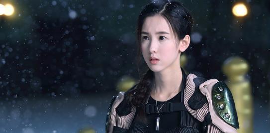 """陈都灵破次元girl power爆表!与宋威龙甜蜜上演""""敲耳朵"""""""