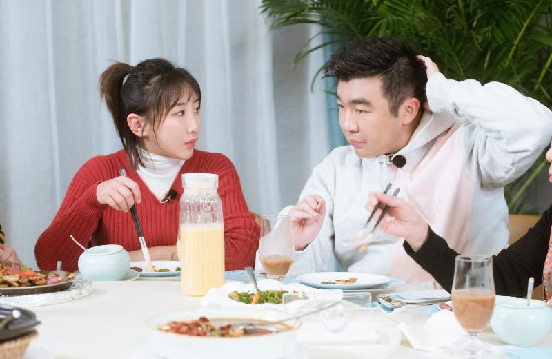 何雯娜梁超《婚礼21天》商量婚礼细节现分歧,网友表示婆婆太强势