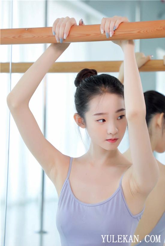 张伊凡《创造营2020》开始在舞台上闪耀的芭蕾仙女挑战自己
