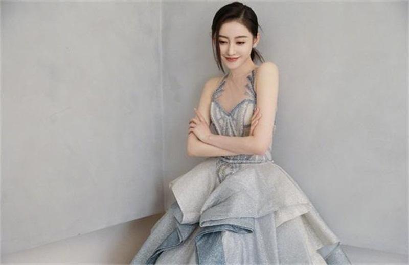 中央电视台午夜会都希望春天到来 娜扎·张天爱合社 宪创《春暖花开》