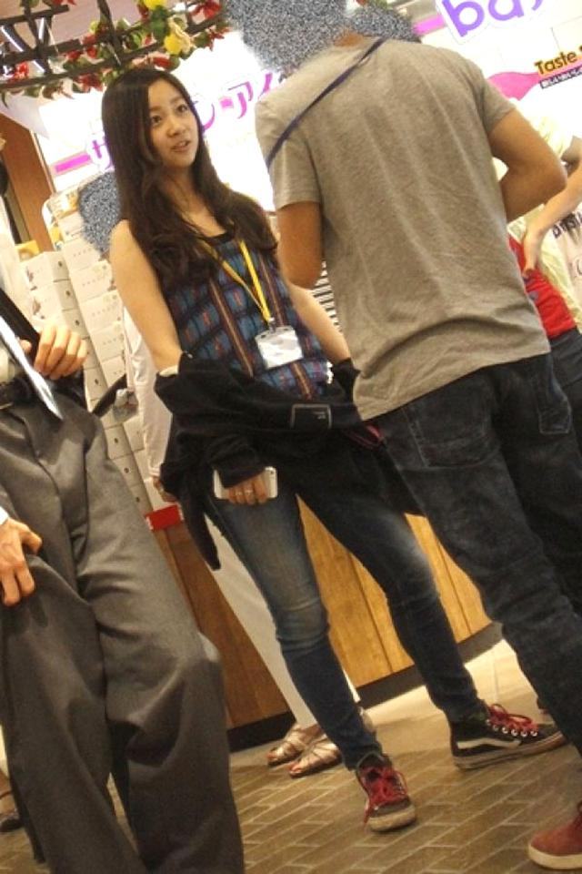 日本公主便服照曝光 日网民毒舌:腿打那么开