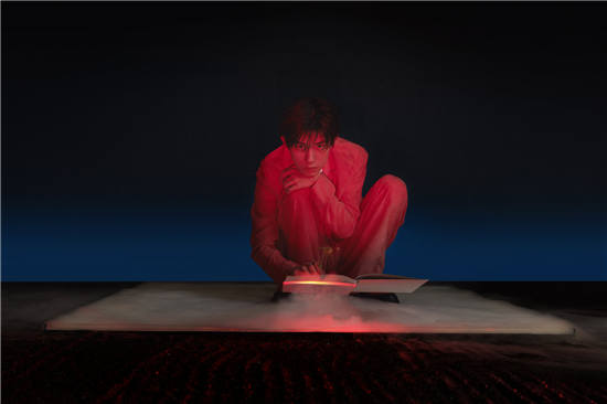 歌手易烊千玺全新专辑概念曲上线,神仙合作带来满分惊喜