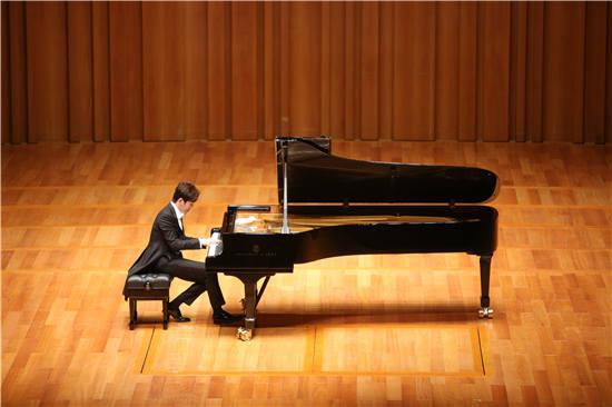 李云迪世界巡回独奏钢琴音乐会演奏的什么