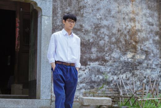 《【摩臣娱乐手机版登录】《大江大河》播出过半 王凯自然演绎宋运辉的青涩与成熟》