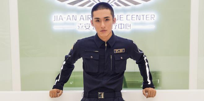 张赫《极速救援》首爆海报  2019大势之年正式起航