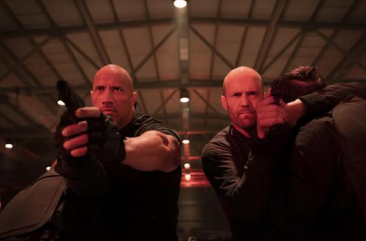《速度与激情:特别行动》公布全新官方剧照  强森、杰森青筋凸起联袂作战