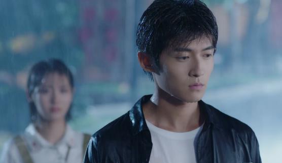超虐!《热血狂篮》邢菲被子俊姐姐威胁 佟梦实雨中袒露心声!