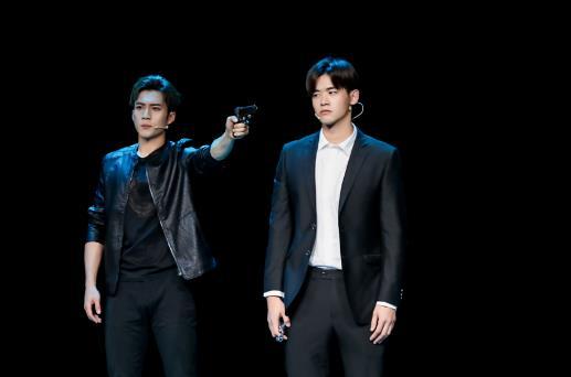 《青春同学会》中戏96班致敬《大宅门》,韩东君重现《无间道》天台PK