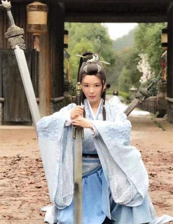 《【摩臣测速登录】《剑王朝》谢柔真的喜欢丁宁吗?谢柔最后怎么样了?》