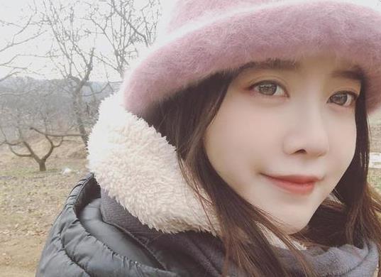 离婚后安宰贤釜山迎新年 具惠善透露3月开画展