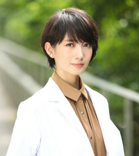 【美天棋牌】波瑠主演《普通恋爱是邪道》 饰演抖S产业医