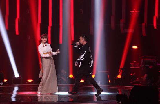 《中国藏歌会》 阿兰挑战新曲风 藏族小调混搭rap燃爆现场