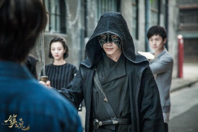 """双角色同框粉丝过年 朱一龙:我对这个人物有""""瘾"""""""