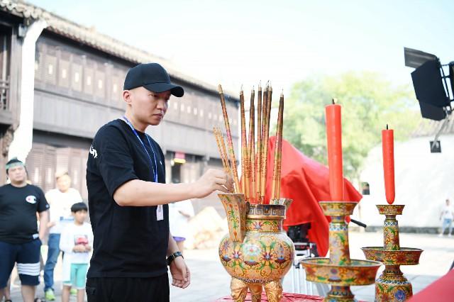 《三流大英雄》横店开机 潘长江实力助阵首触网大