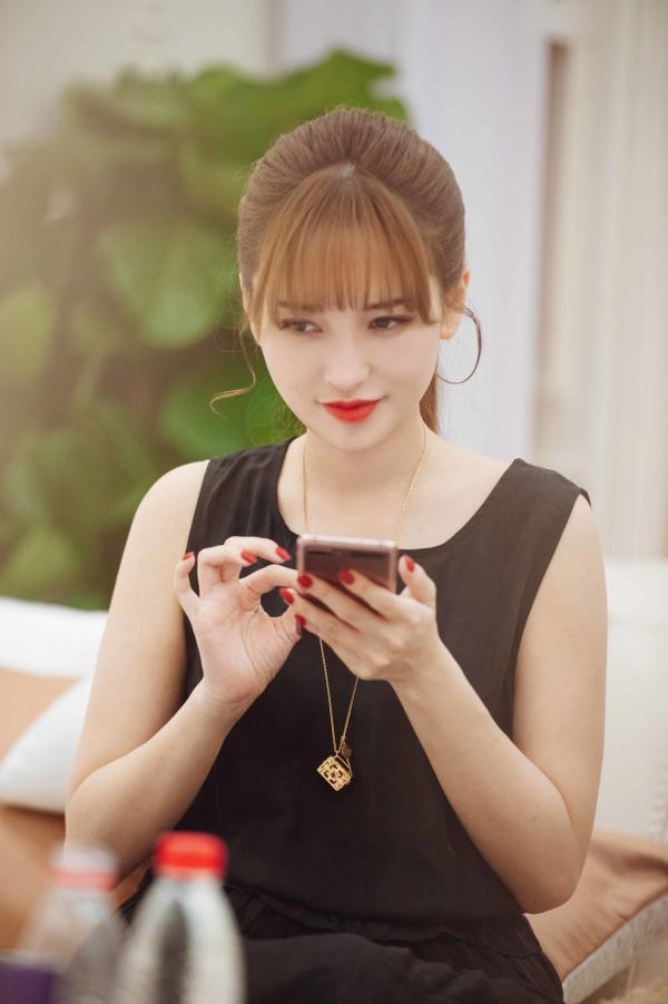 【美天棋牌】《女儿3》萧亚轩因黄皓惊喜感动落泪
