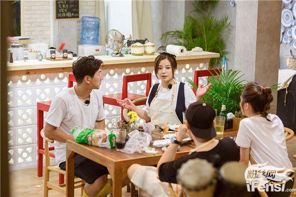 【美天棋牌】《中餐厅》赵薇露好手艺 网红食品上线
