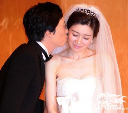 刘在石结婚9周年,真情告白:我爱你