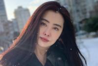 近日女星王祖贤又有新动向其粉丝后援会更新了她的近照
