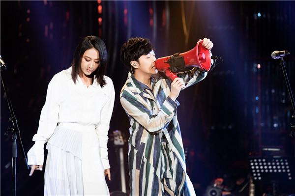 吴青峰《歌手》2019第十三期携手陈粒
