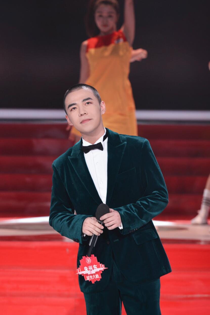朱兴东《星光大道》 2020决赛第五场中国女排国家队员乔婷助唱挑战赛