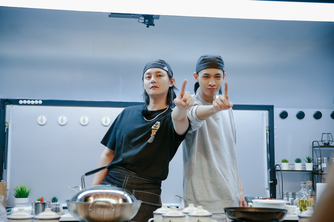 里昂和徐义扬参加《美味夜行侠》 安德鲁和秦小贤面临新的挑战