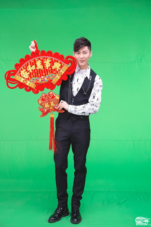王嘉北京春晚穿越两节目 古装造型吸睛