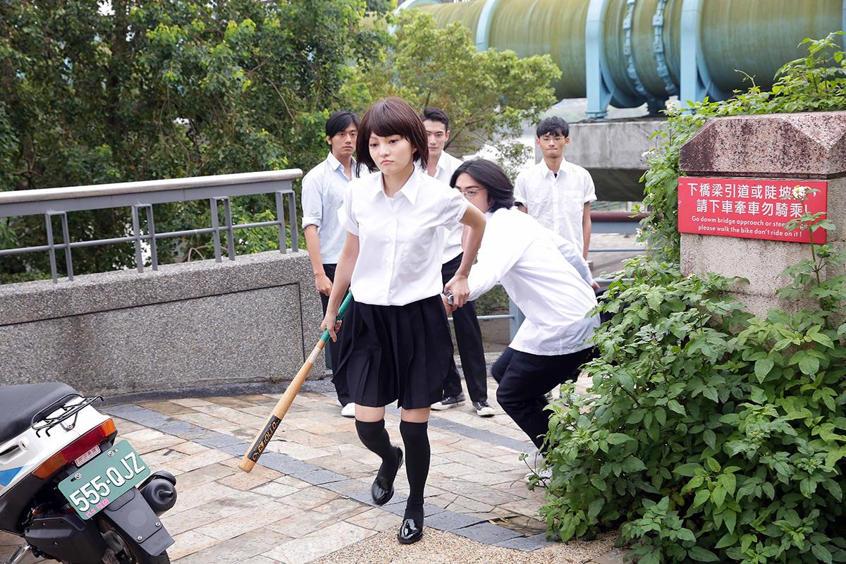 张韶涵重返少女时代穿上制服清纯度破表
