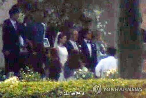 裴勇俊朴秀珍婚礼现场被捕捉 花费千万招待粉丝
