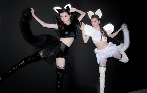by2新专辑《CAT and Mouse》繁星直播发布会 双女神性感回归
