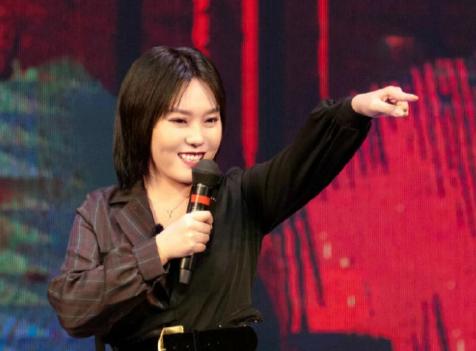 欢乐喜剧人第七季的首期在东方卫视播出