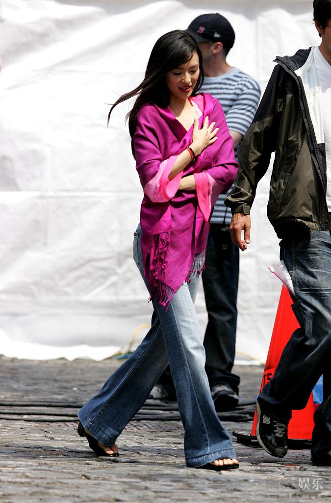章子怡15年前旧照曝光 纽约拍戏靓丽迷人