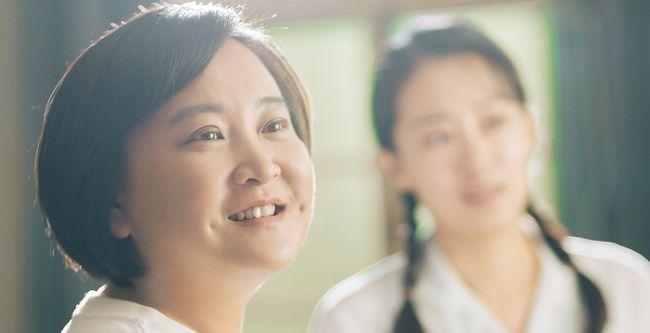 《你好 李焕英》《1981纪念》海报曝光贾100分灿烂微笑微笑2021