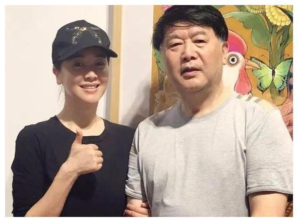 """【博狗扑克】左小青承认与大20岁老公离婚!""""始于爱情,终于友情"""""""