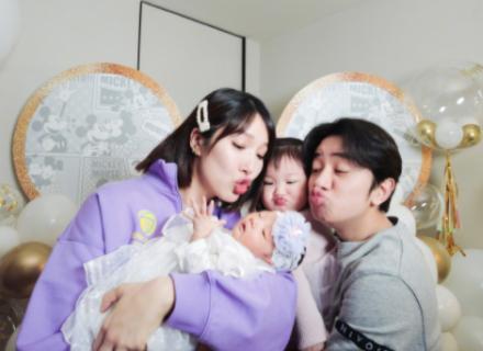 光辉娱乐官方网址王祖蓝晒出一家四口合照 幸福宣布妻子李亚男二胎得女