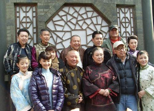 1995年,大宅门刚开机不久,陈宝国拿出一笔巨说:没他我不拍